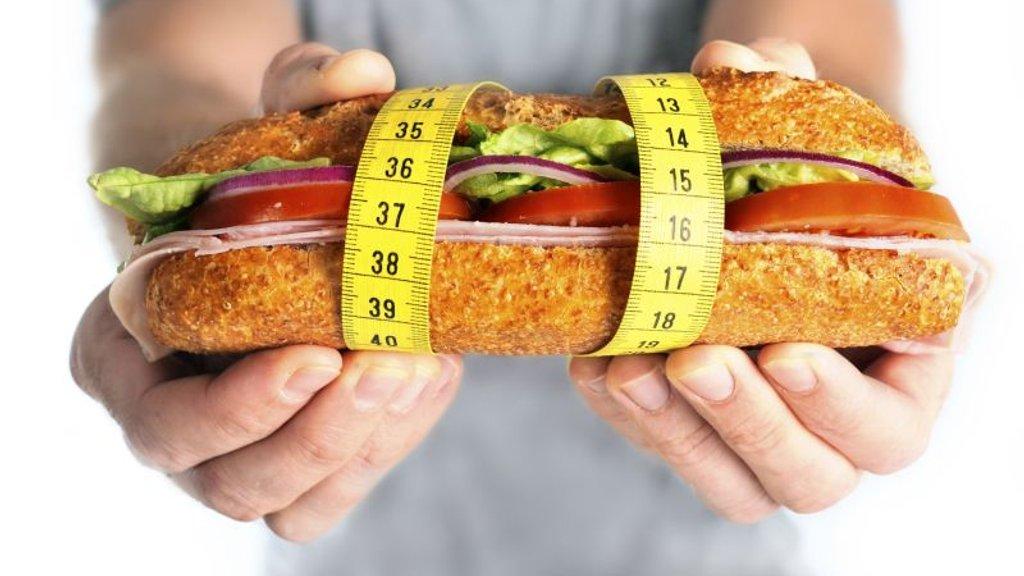Чтобы похудеть, не нужно есть меньше: сбросивший 100 кг диетолог развеивает мифы о диетах