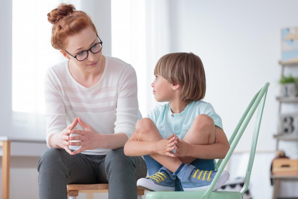 Бабушки в ужасе: пачкать одежду, лениться и другие вредные вещи, которые я позволяю делать своему ребенку по совету психолога