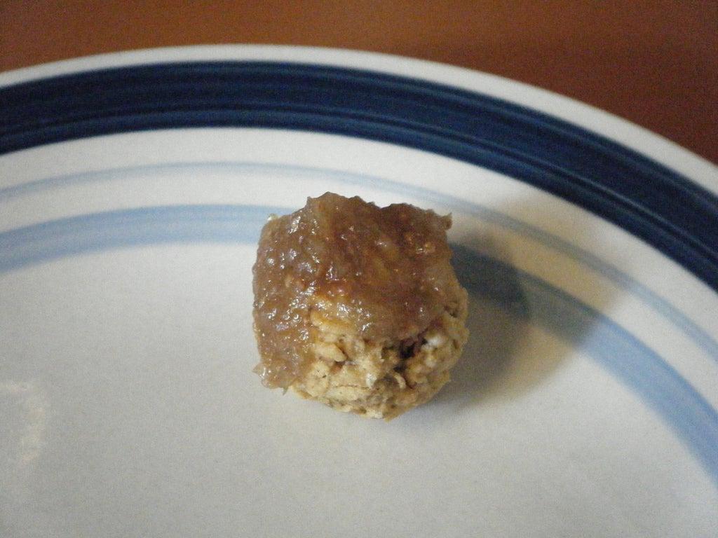 Из овсяных хлопьев, арахисовой пасты и инжира я делаю сладкие, сытные и полезные шарики к чаю