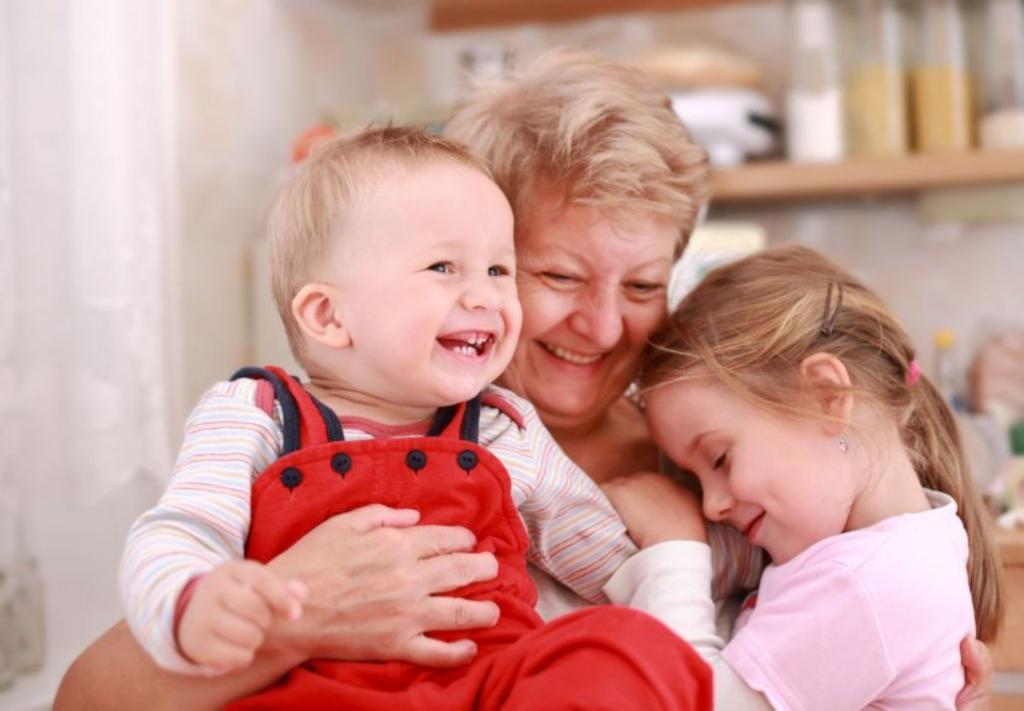 Женщина отказывается два раза в неделю присматривать за своими семерыми внуками, но ее дети недовольны этим решением