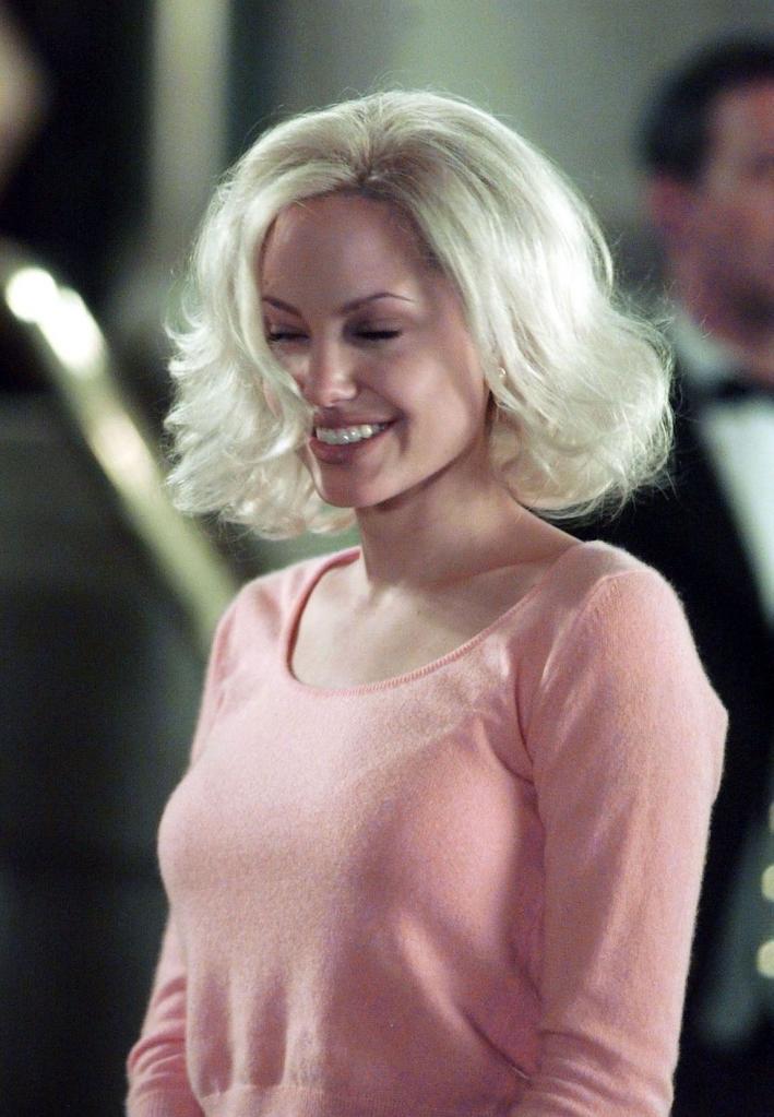 Как понять, что вам нужно быть брюнеткой, а не блондинкой: наглядное объяснение на примере Анджелины Джоли (фото)