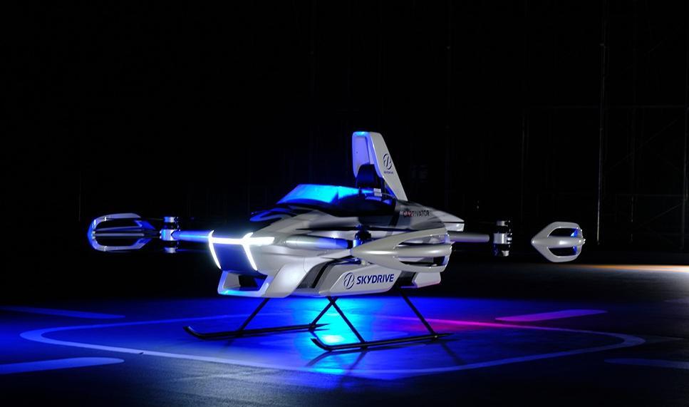 Кинематографическое будущее: в Японии провели первый тестовый полет летающего автомобиля