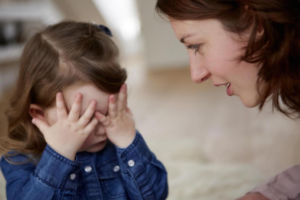 Ребенок врет, как в этой ситуации должны вести себя родители? Выясните причину лжи и расскажите о ее последствиях