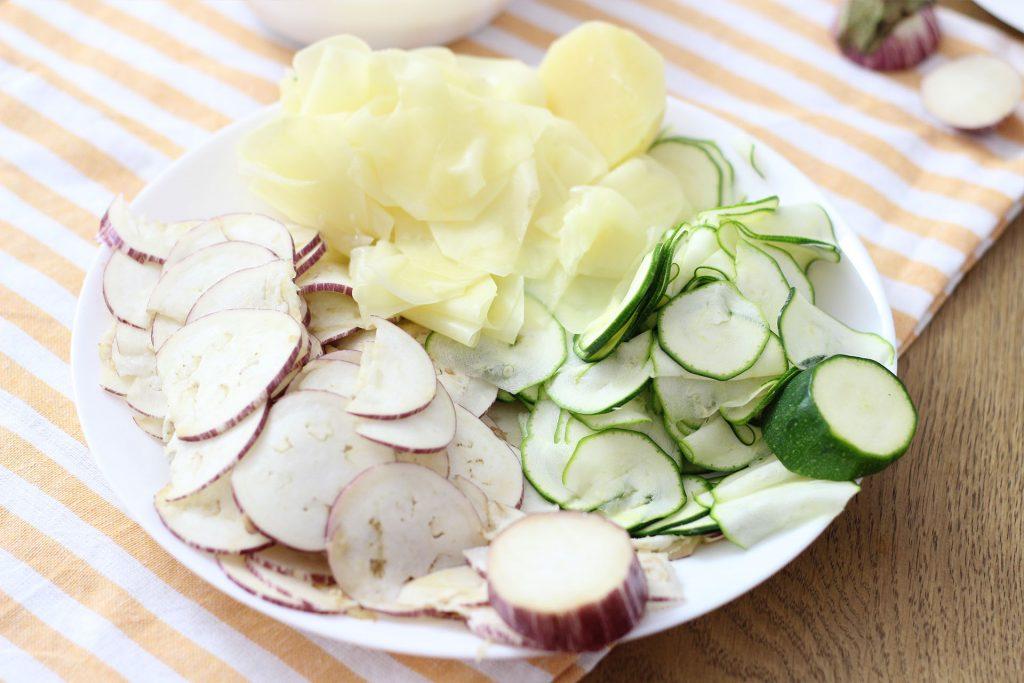 Закуска из овощей и слоёного теста: я готовлю из баклажанов, картошки и кабачков