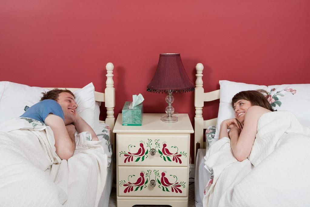 «Мы хотели как лучше!»: муж с женой решили сделать отдельные спальни, но это разрушило их отношения