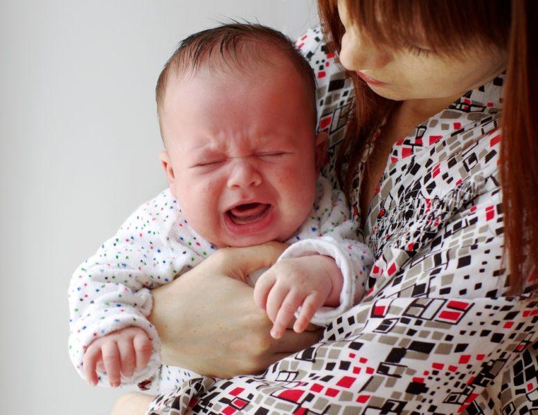 Сердце бьется быстрее, давление увеличивается: ученые рассказали, как организм реагирует на плач ребенка