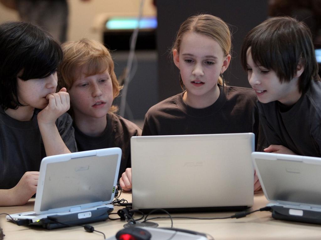 Родители, успокойтесь, видеоигры тоже развивают интеллект. Пару слов в защиту игр от ученых