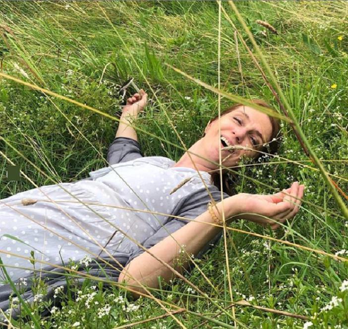 """Познакомились в очереди за хлебом: Александр Бухаров из """"Гурзуфа"""" больше 20 лет счастлив в браке с актрисой (фото)"""