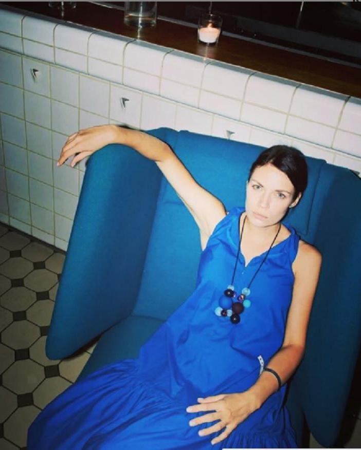 Младше на 9 лет: жена харизматичного Артема Ткаченко - яркая и эффектная девушка (новые фото)