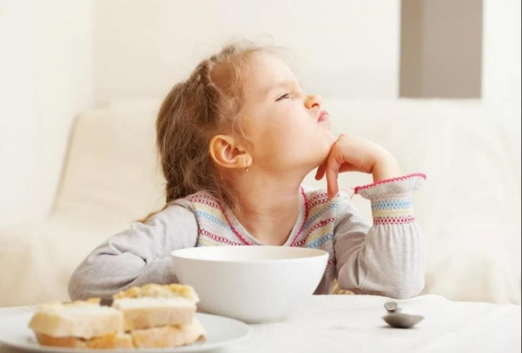Как облегчить утреннюю суету перед школой: смузи на завтрак и другие лайфхаки для мам