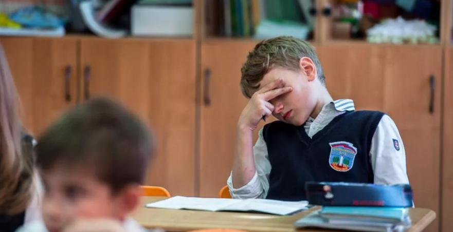 Травля, трудности в учебе и проблемы в семье: школьные конфликты разбирает психолог