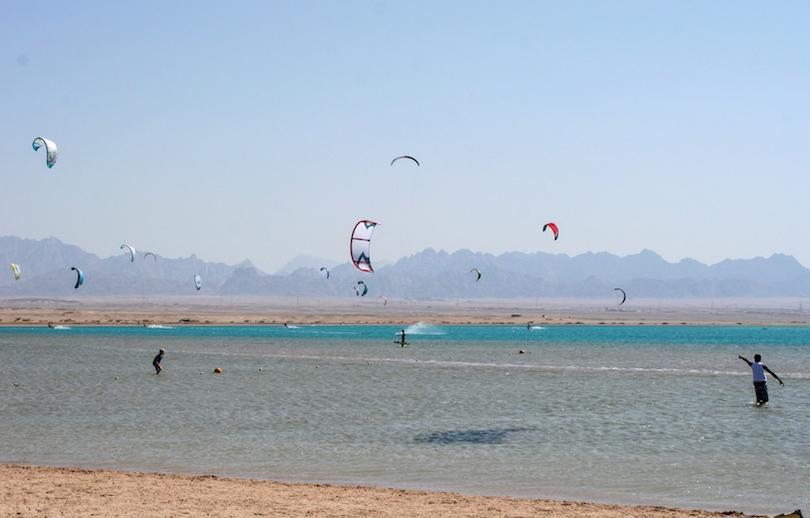 Египет ждет туристов из России, а отдыхать комфортно там круглый год: маршрут по лучшим пляжам страны