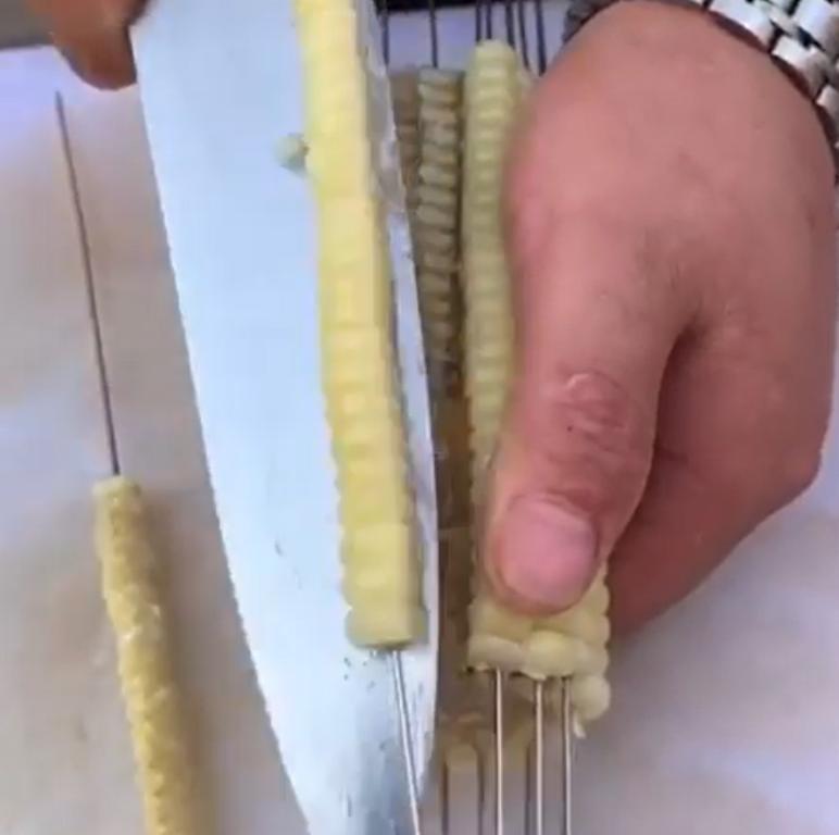 В моей семье не едят кукурузу с кочана - делаем пряный шашлычок: любимый способ