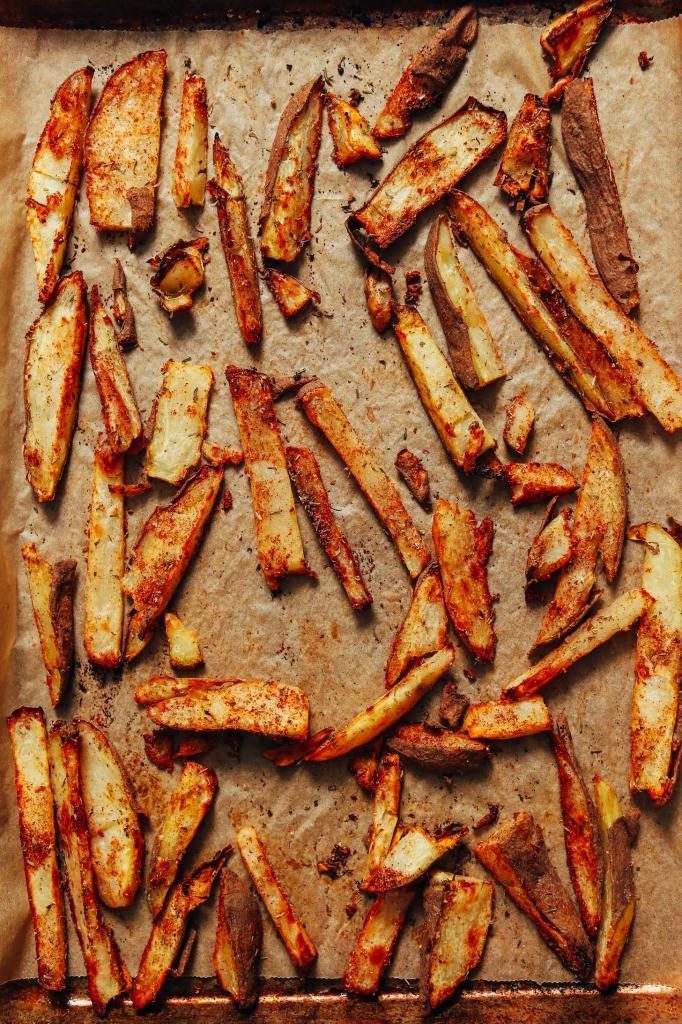 Совсем без масла: хрустящая Каджунская запеченная картошка фри