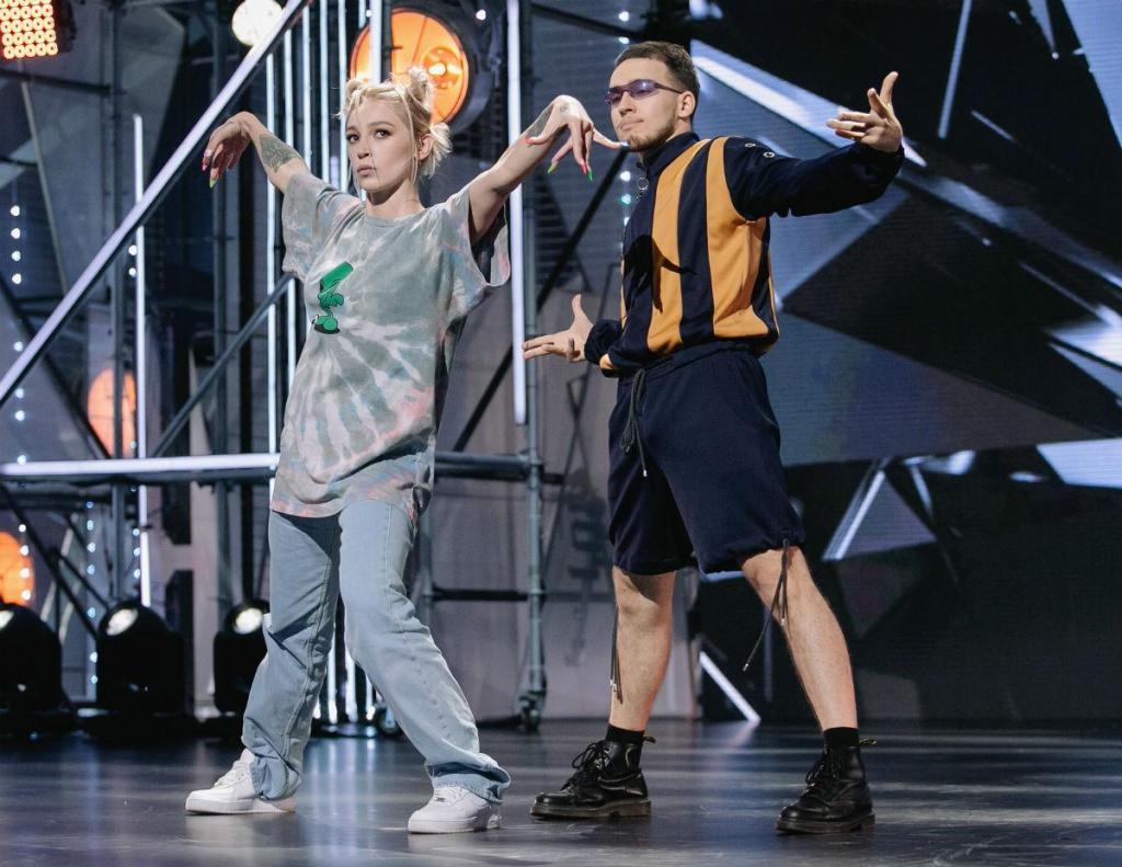 """Настя Ивлеева станцевала на съемках """"Танцев"""" на ТНТ: ее пригласили в жюри к знаменитой тройке наставников"""