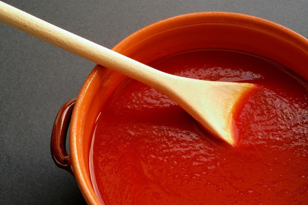 Варю вкуснейший кетчуп из томатного сока: в разы лучше магазинного, даже дети едят