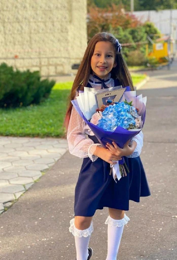 Дочка Бориса Грачевского на школьной линейке была очаровательной красавицей (фото)