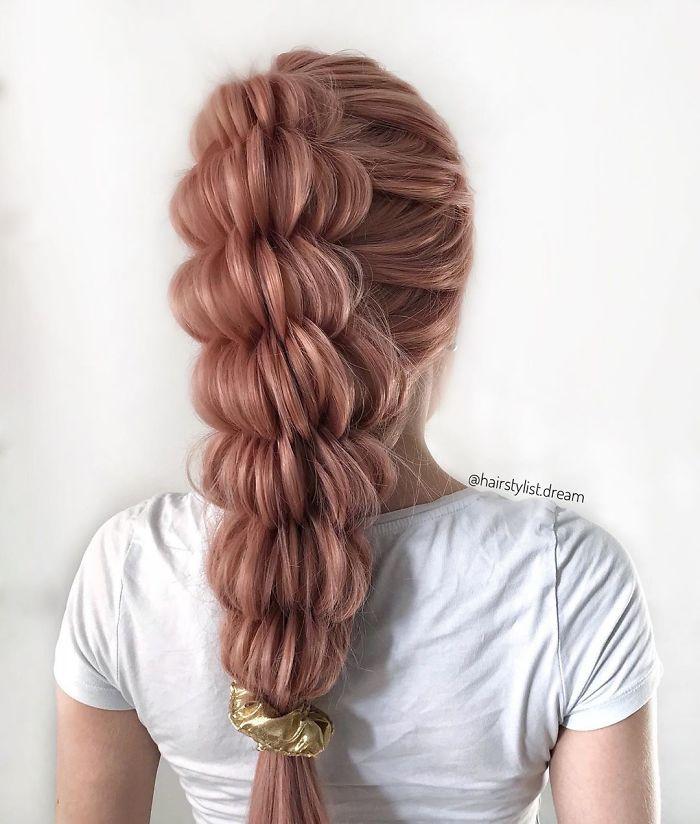 Немецкий подросток делает настоящие шедевры на волосах: ее прически восхищают
