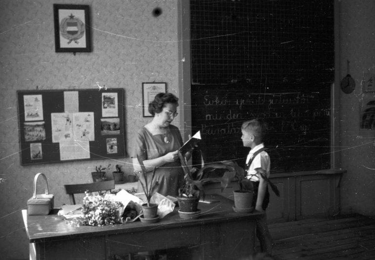 Все современные школьники похожи друг на друга: а как выглядели ученики в Венгрии 60 лет назад (фото)