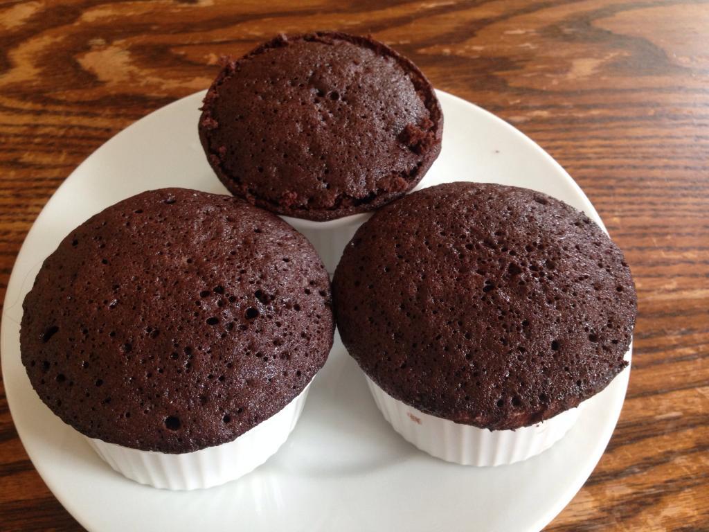 Интересный рецепт шоколадных кексов: готовлю их с жареным беконом, получается очень вкусно