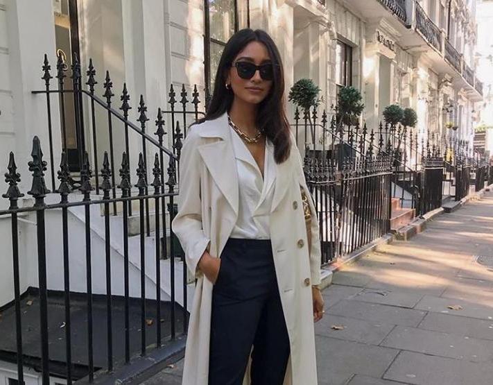 Нюдовые боди набирают обороты в мире модных трендов: стилисты рассказали, с чем сочетать боди и какой фасон выбрать на работу, прогулку или свидание