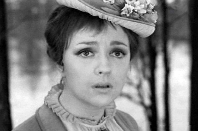 """Советская """"радистка Кэт"""" нашла себя в вере. Екатерина Градова прекрасно выглядит в 73 года (новые фото)"""