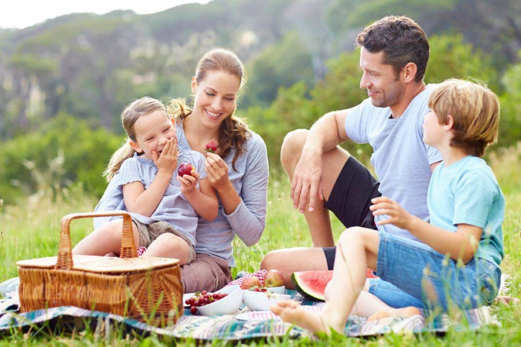 Прокатиться на велосипеде или устроить пикник: как с пользой заполнить свободное время школьника