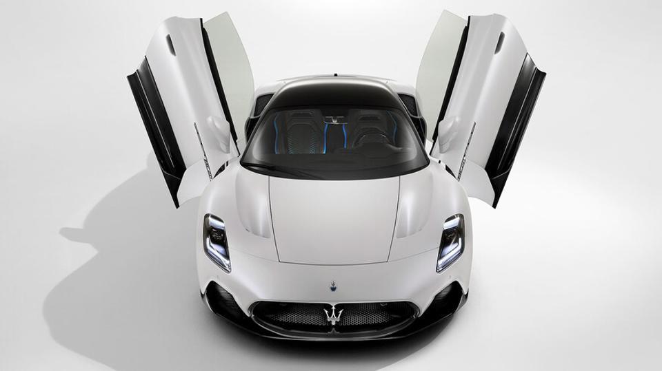 Maserati впервые за 15 лет представляет свой новый суперкар MC20