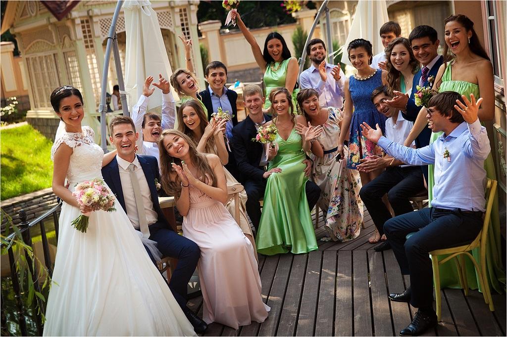 Татьяна оставила сына на бабушку и дедушку: Артем вырос и встретил ее на свадьбе