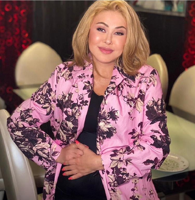 В новом посте Любовь Успенская поделилась впечатлениями о пребывании в Краснодарском крае: но подписчиков поразило ее короткое платье и стройные ноги