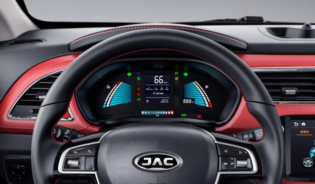 Самый доступный на российском рынке: названа дата российской премьеры электромобиля JAC iEV7S