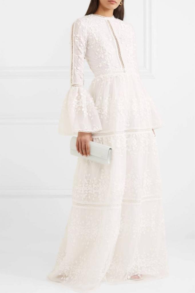 Невесты выбирают платья с длинными рукавами: посмотрите фото актуальных моделей