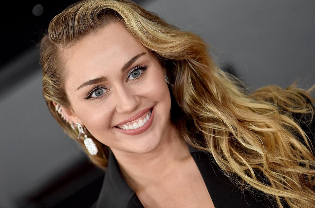 """""""Успех носит переменчивый характер"""": 27-летняя Майли Сайрус решила дать несколько советов всем начинающим артистам"""