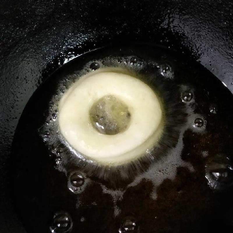 Свежие и мягкие пончики с глазурью: популярный рецепт прямиком из США