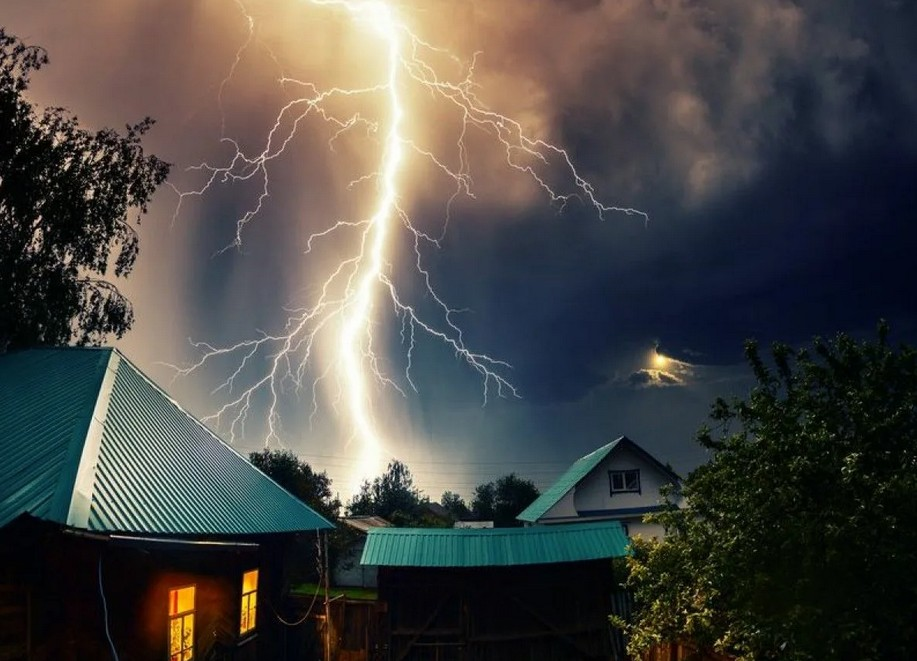 На Неопалимую Купину (17 сентября) просьба о защите дома от огня будет услышана: текст молитвы, традиции и обряды