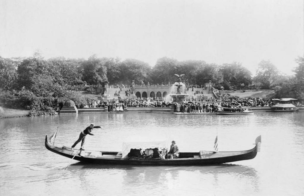 """Статуя Свободы """"начала свой путь"""" на Всемирной выставке в Париже: редкие фотографии известных достопримечательностей, показывающие, как они выглядели в конце XIX - начале XX века"""