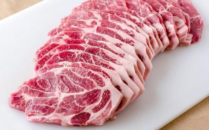 Красиво и профессионально: как правильно нарезать свинину, говядину, птицу