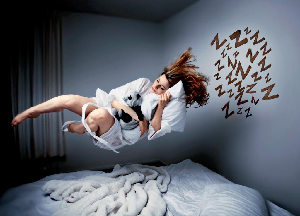 Человек видит сновидения каждую ночь: хорошо это или плохо? И нормально ли, если их нет вообще (или случаются редко)
