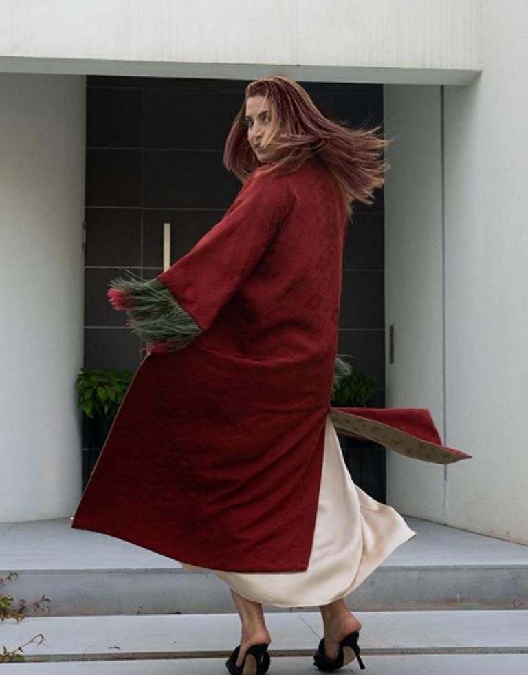 """""""Невероятно красивая"""". Певица Жасмин кардинально изменила имидж, покрасив волосы в яркий цвет (фото)"""