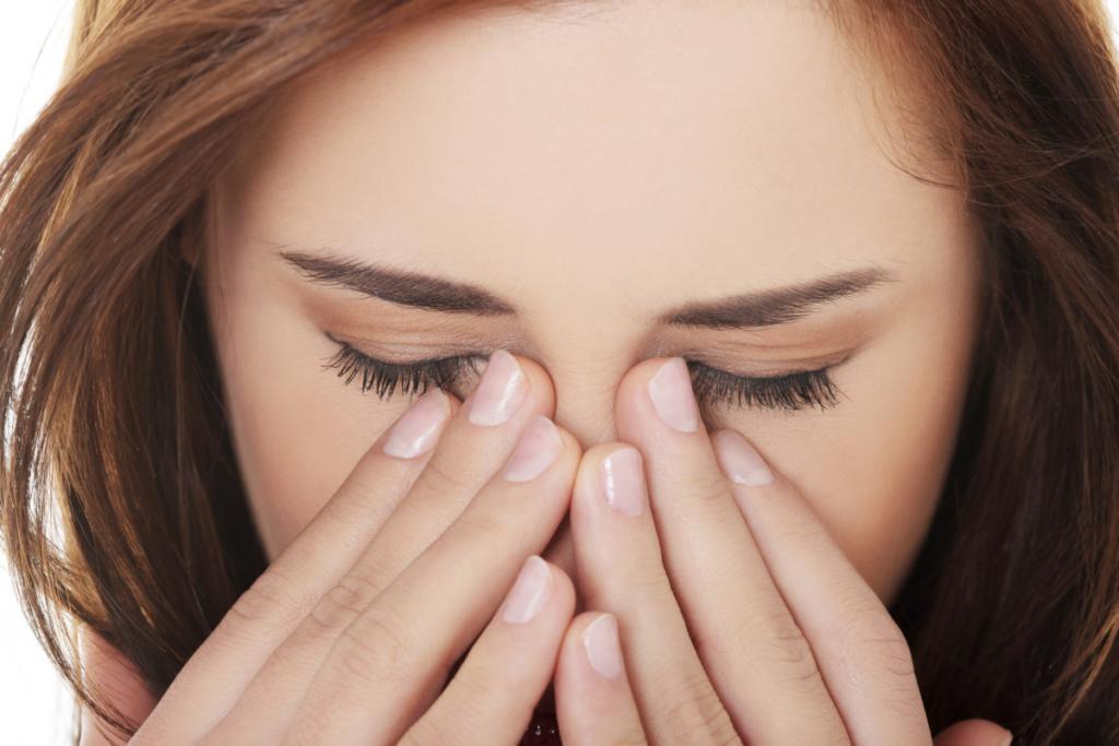 Чтобы убрать мешки и синяки под глазами, патчи не использую. Выручает березовый сбор