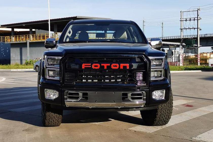 Повторили даже шестиугольную форму решетки радиатора: китайский Foton представил свой вариант Ford F-150