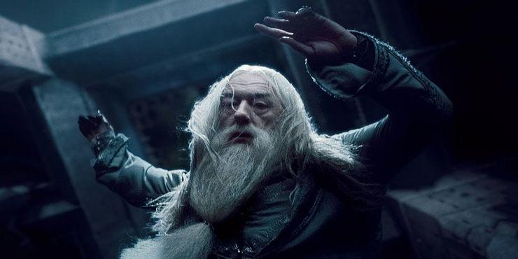 """Он был увлечен порабощением маглов: что можно узнать о Дамблдоре из """"Гарри Поттера"""" только из книг"""