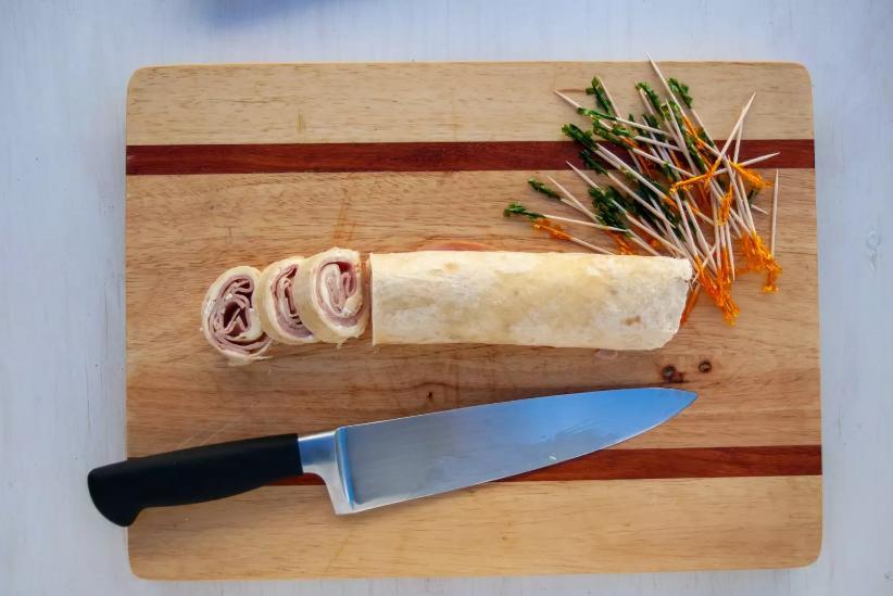 Завтрак готовлю за 5 минут: рулет с ветчиной и сыром подаю красиво — едят с удовольствием
