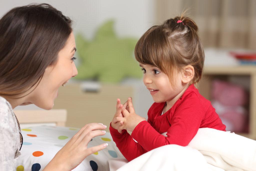 Как показать ребенку свою любовь: «я рад тебя видеть» и другие фразы, которыми можно заменить «я люблю тебя»