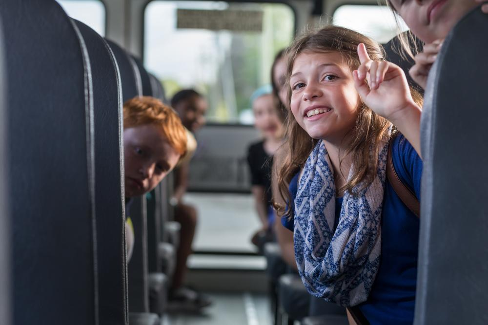 Все обращают внимание на правильное поведение моих детей в автобусе. Делюсь своими секретами воспитания