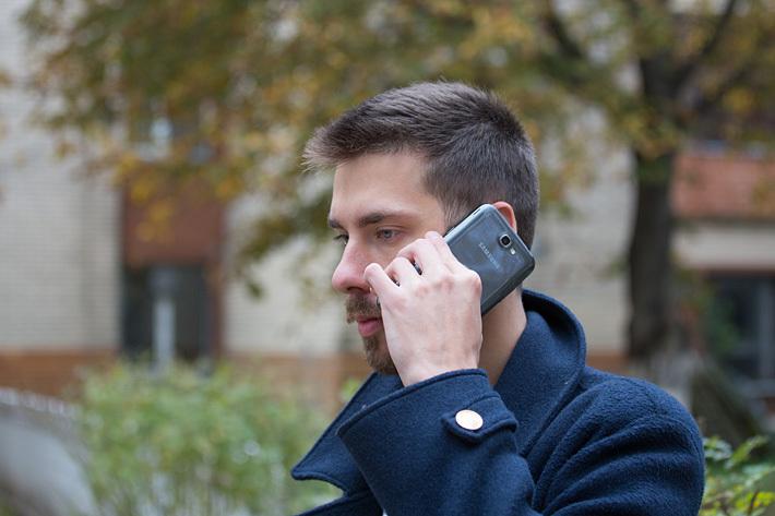 Уверенный негромкий голос: чем можно спугнуть телефонного мошенника. Рассказывает адвокат
