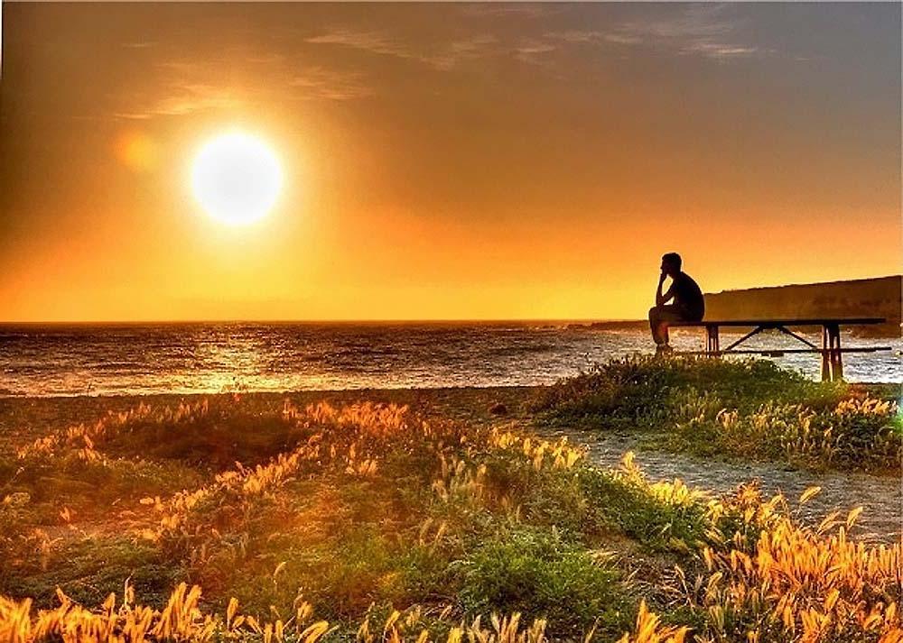 Ученые провели исследование, которое показало, что отдых у моря или озера заряжает энергией лучше, чем прогулка среди деревьев