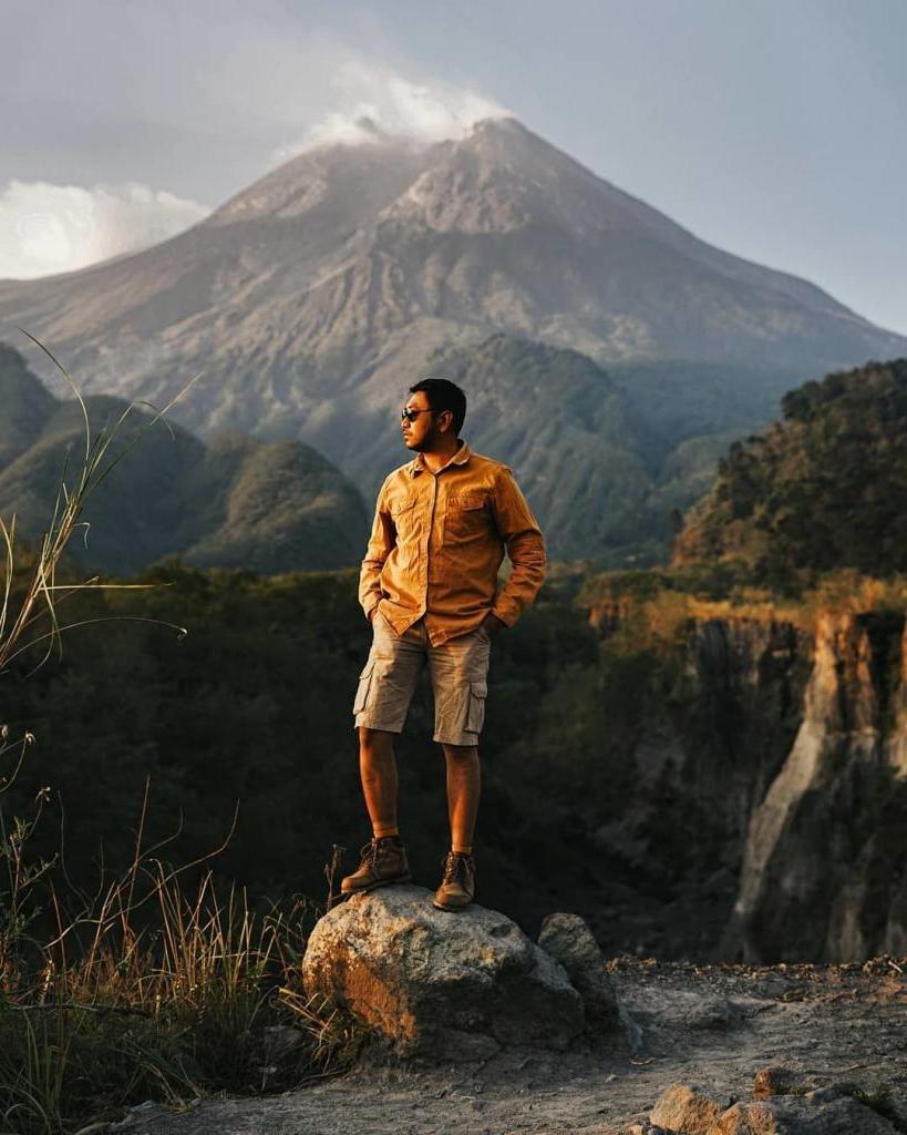 Здесь слышны голоса джиннов и люди приносят подношения Богам: фантастические локации в Индонезии, которые славятся своими тайнами и красотой