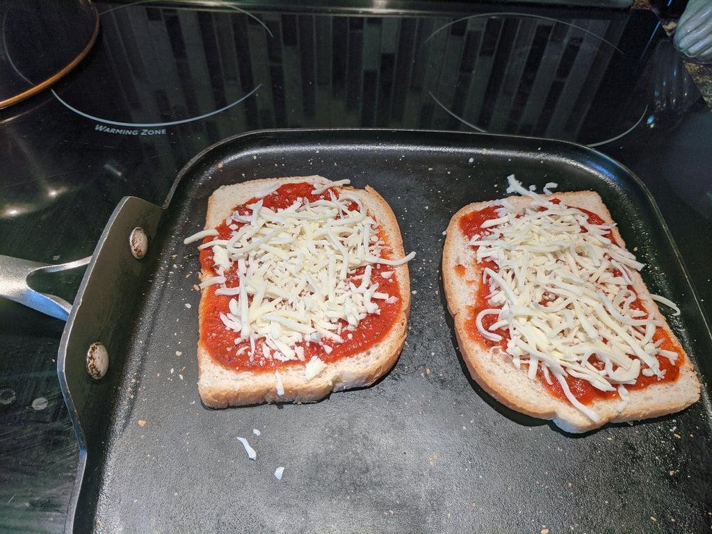 Не бутерброд, а пицца: простой рецепт вкусного сэндвича, так напоминающего итальянский шедевр