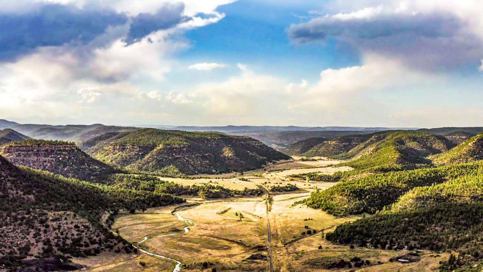 Ковбои-миллиардеры активно торгуют историческими ранчо в Америке: людей привлекают нетронутая природа и романтика старых фильмов